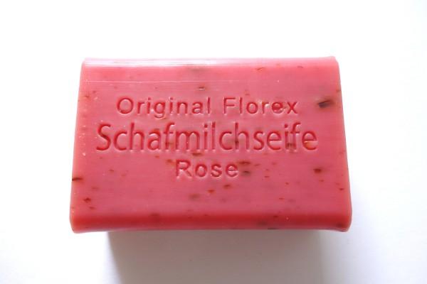 Schafmilchseife Rose mit Blüten