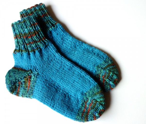 Kindersocken in türkis